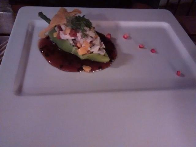 Chile dulce relleno de ceviche